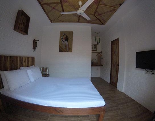 ecohotel_elnido_deluxe_room1