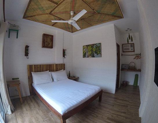 ecohotel_elnido_deluxe_room2